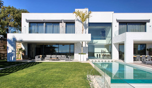 Real estate consultants from Marbella to Estepona full buyer support